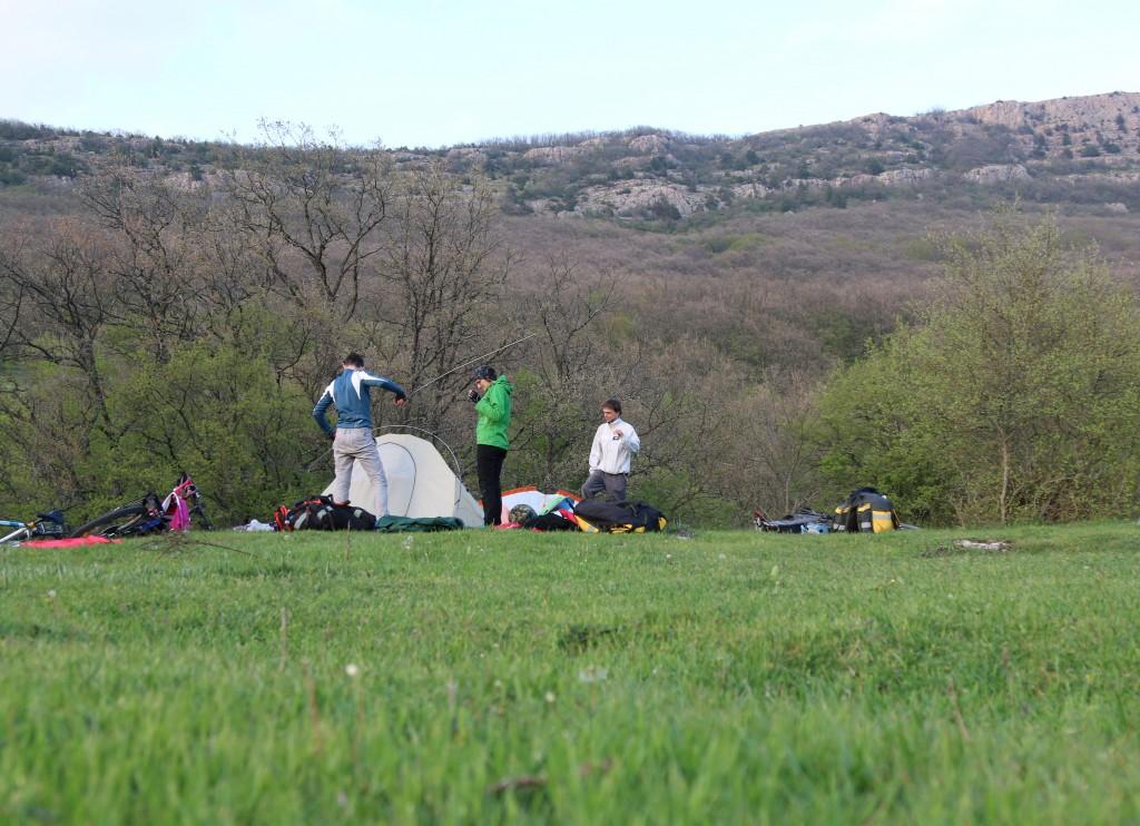 Орлиное, ставим палатки